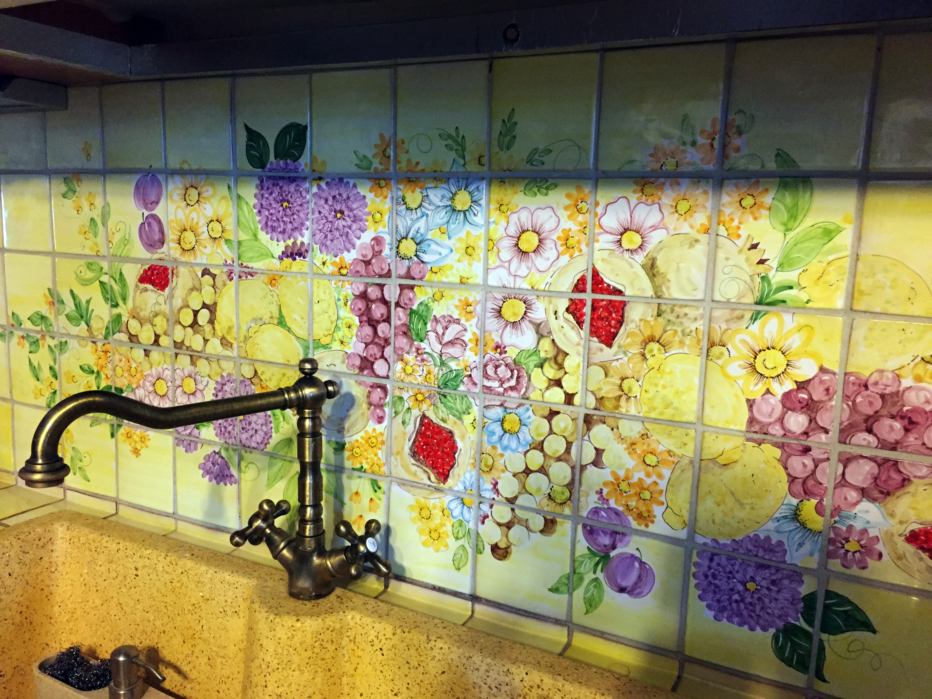 Awesome piastrelle colorate per cucina gallery home interior ideas for Piastrelle cucina colorate